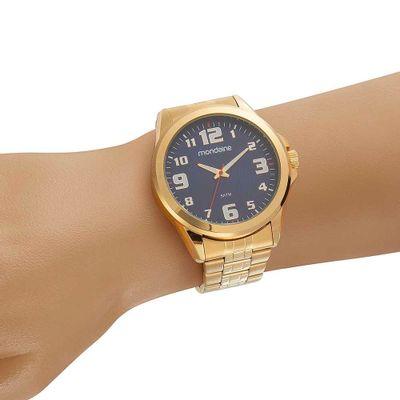 0428abf6480 Relógio Visor Texturizado Pulseira em Aço Dourado - Mondaine